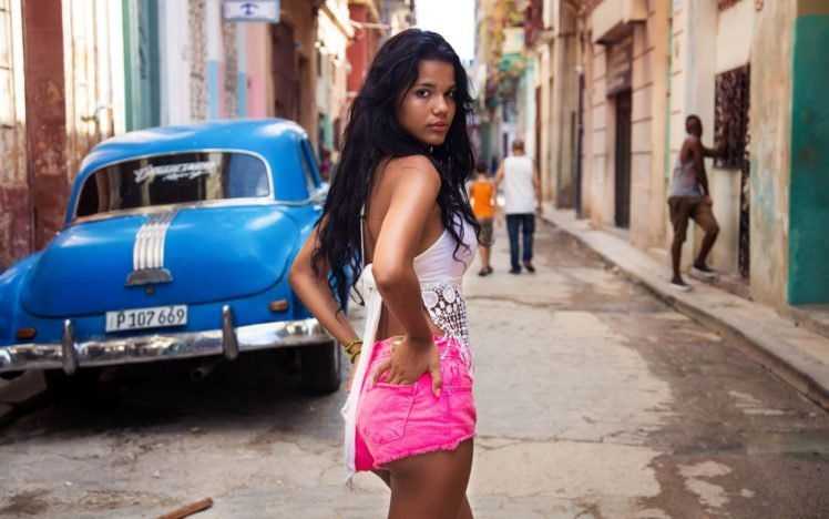 Hookups with cute Cuban girls looking for a romantic relationship with foreigners