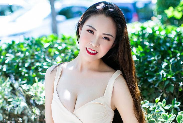 You can get acquainted with a girl in China for casual hookup in many places