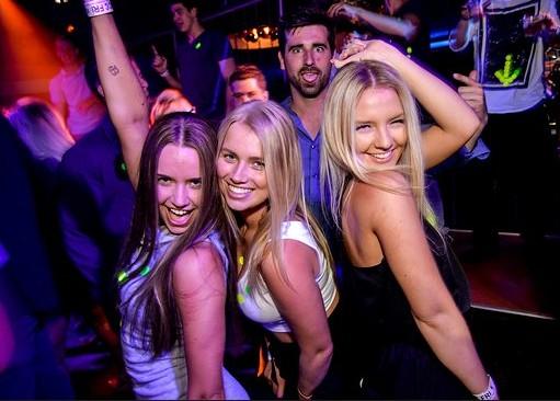 Australian female clubbers