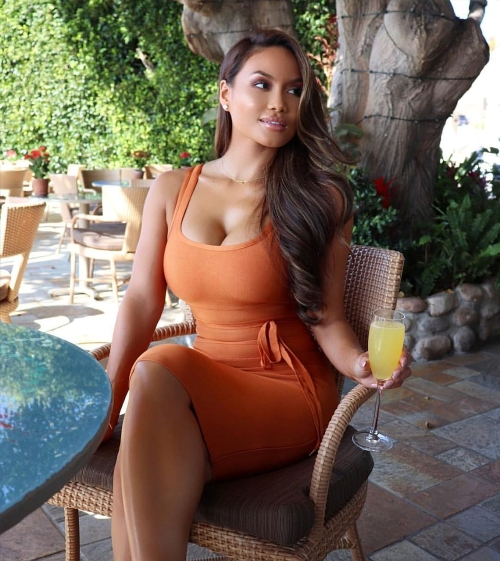 Attractive girls looking to have a hookup now with a foreigner in the Dominican Republic